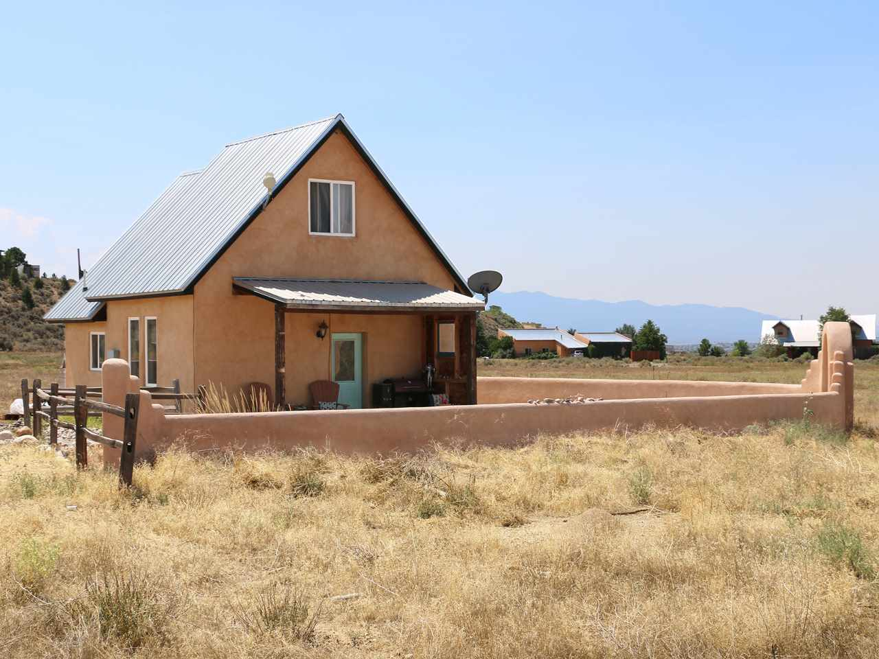 460 Blueberry Hill Rd, Taos, NM 87571