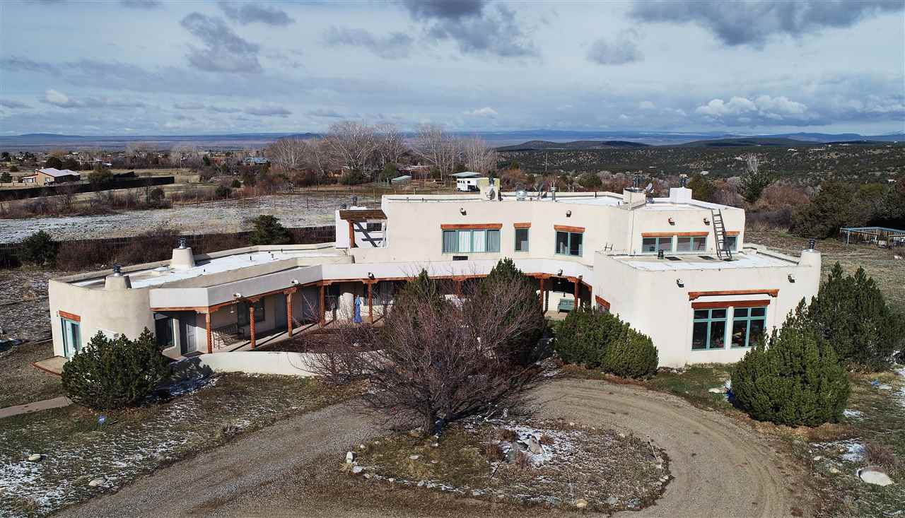 584 State HWY 150, Arroyo Seco, NM 87514