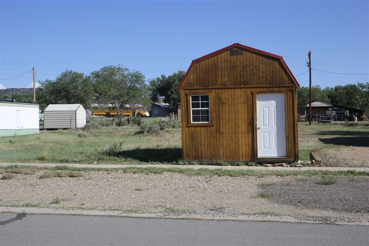 shed on 9th Street, Cimarron, NM 87714