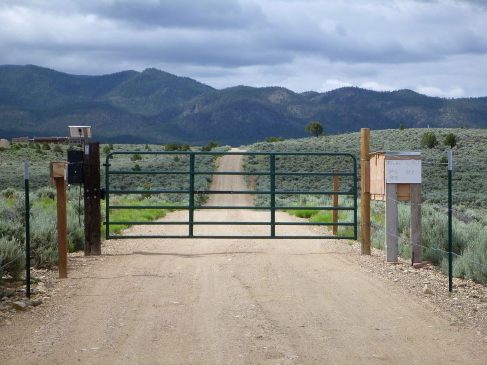 Tract A Spirit Dog, Ranchos de Taos, NM 87557