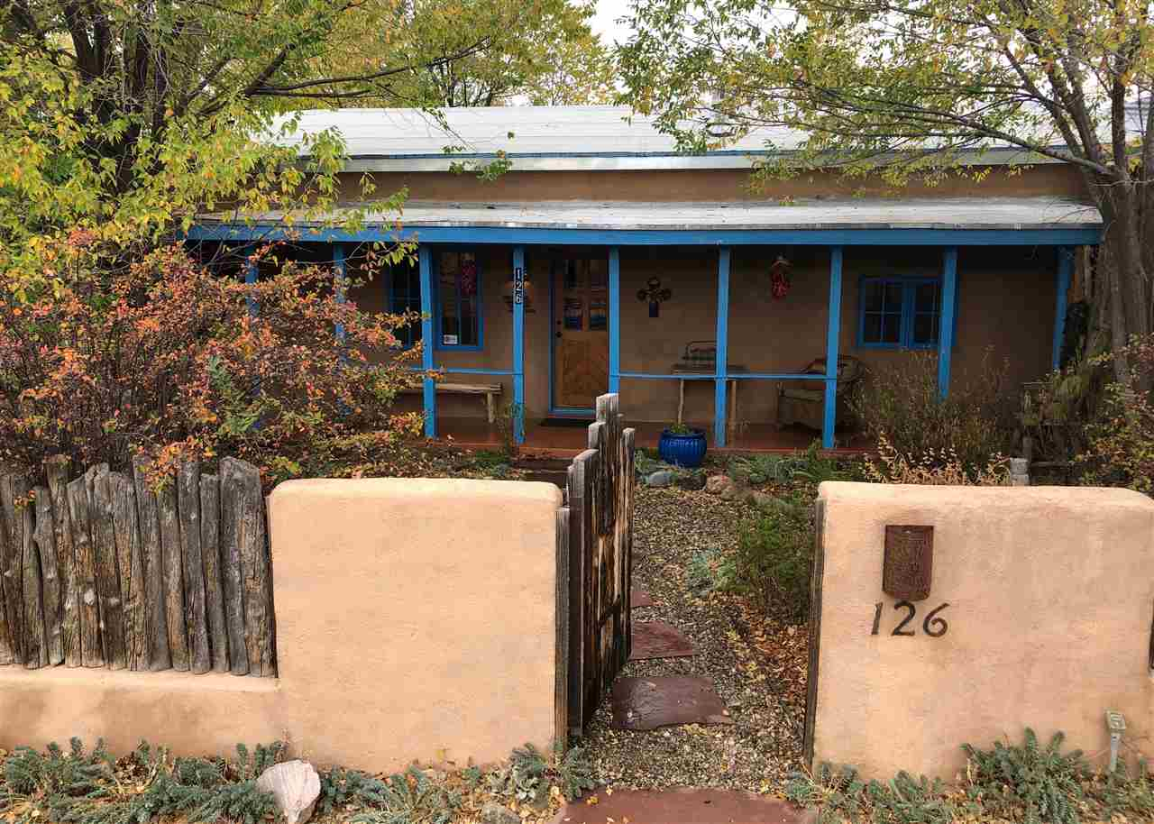 126 La Loma Plaza, Taos, NM 87571