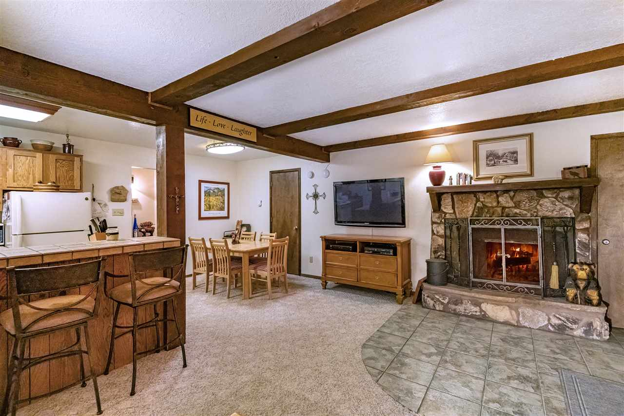 25 Jackson Hole Rd, Angel Fire, NM 87710