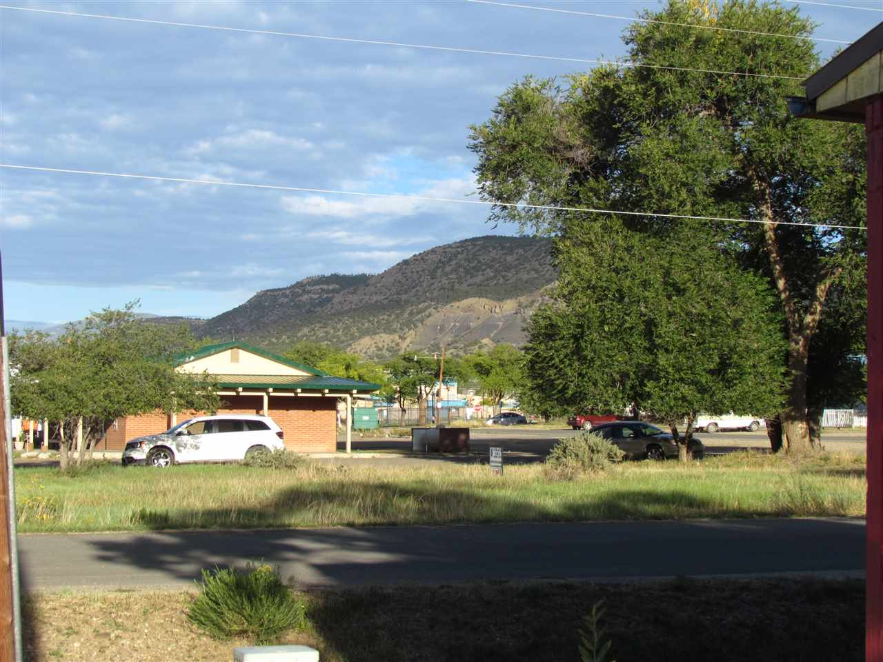 http://search.taosmls.net/taos_mls/images/90937-1.JPG