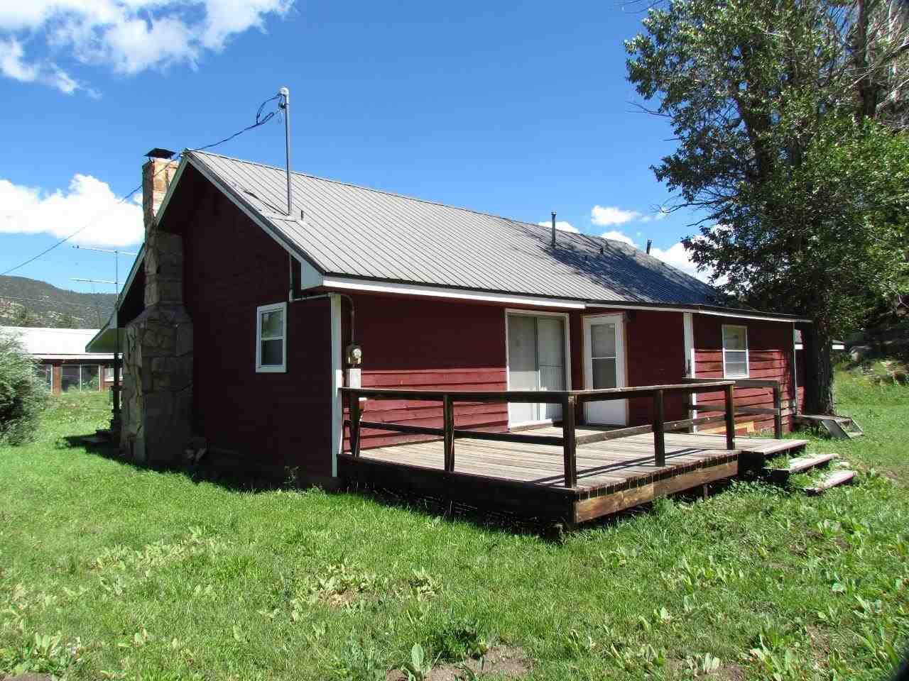 136 Hummingbird Lane, Ute Park, NM 87749