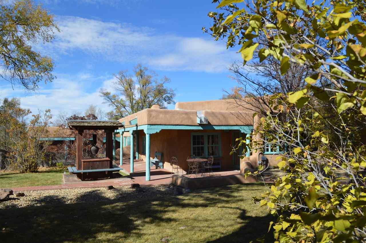 131 San Antonio St., Taos, NM 87567