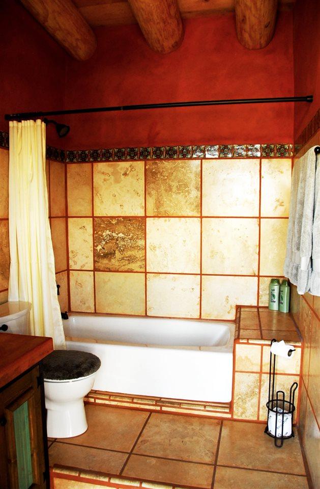 http://search.taosmls.net/taos_mls/images/96490-10.JPG