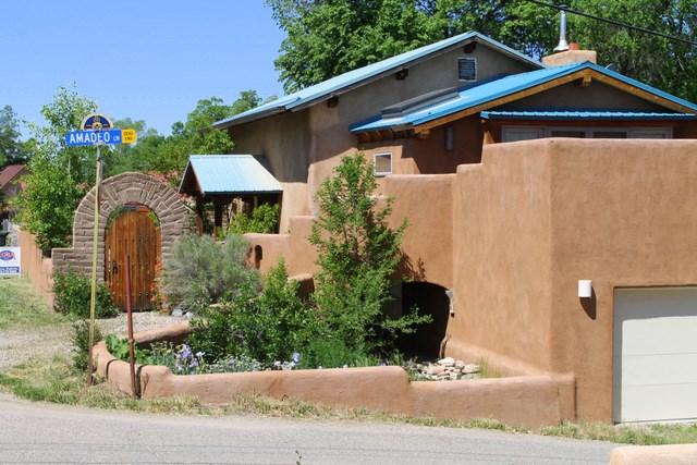 312 Valverde Street, Taos, NM 87571
