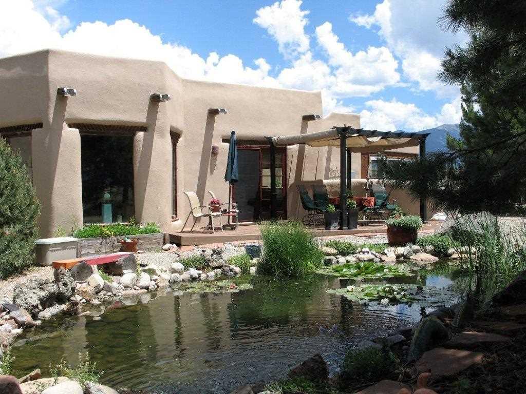 38 Del Norte, Taos, NM 87571
