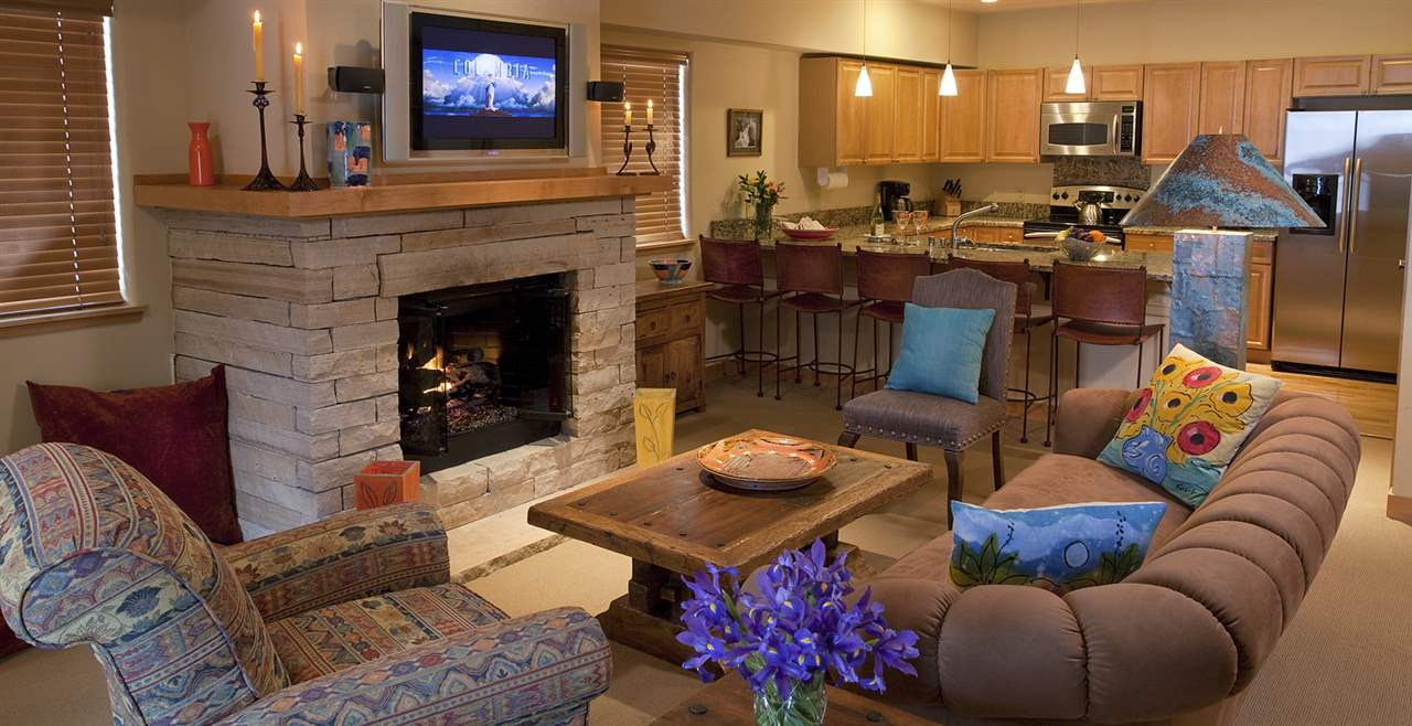 106 Sutton Place, Taos Ski Valley, NM 87525