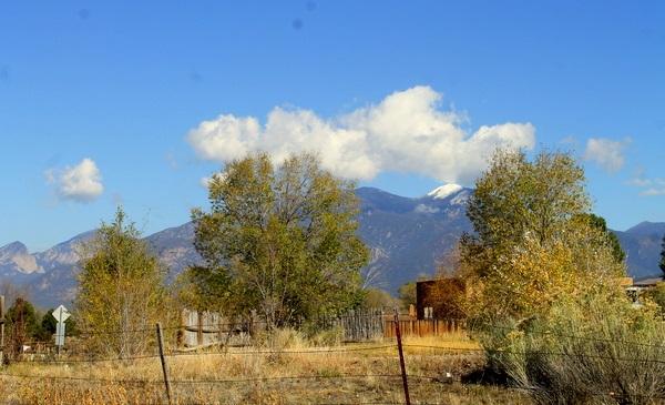 4B Camino Santiago, Taos, NM 87571