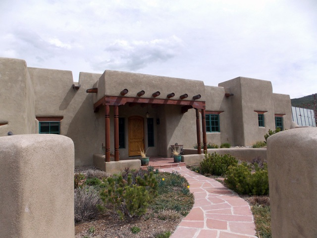 545 Verde Road, Taos, NM 87571