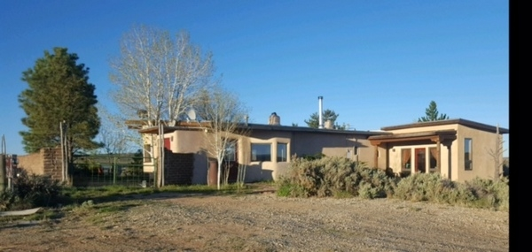 84 Calle Conejo, Arroyo Hondo, NM 87513