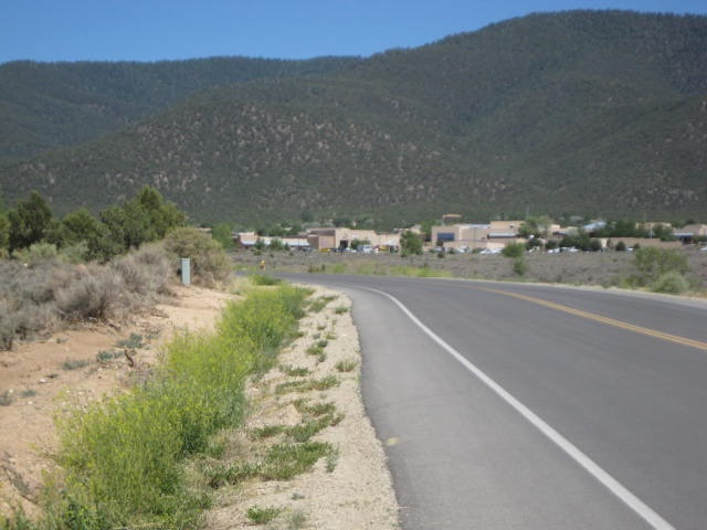 http://search.taosmls.net/taos_mls/images/99964-12.JPG