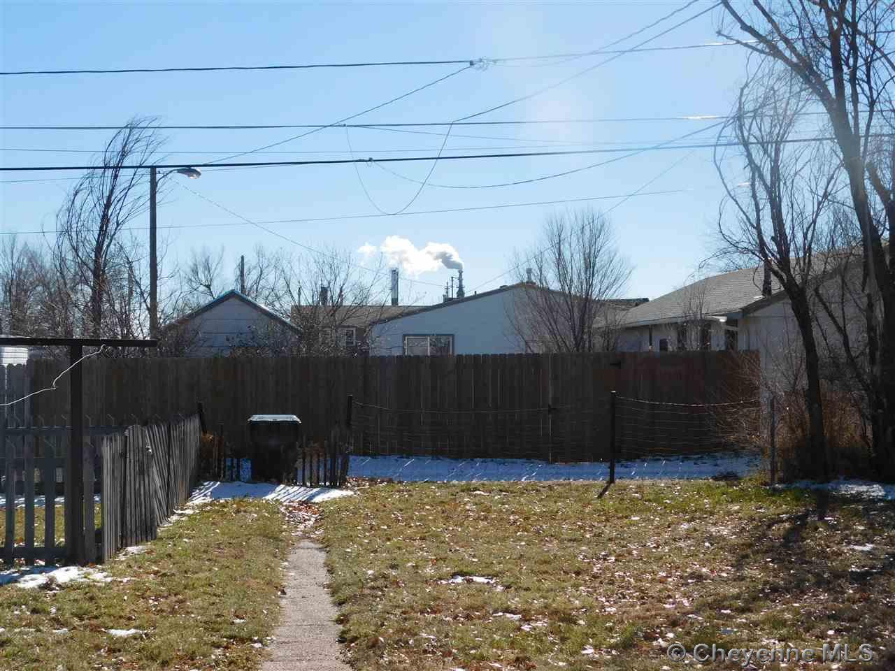 Additional photo for property listing at 2533 E 10th St Cheyenne, Wyoming  United States