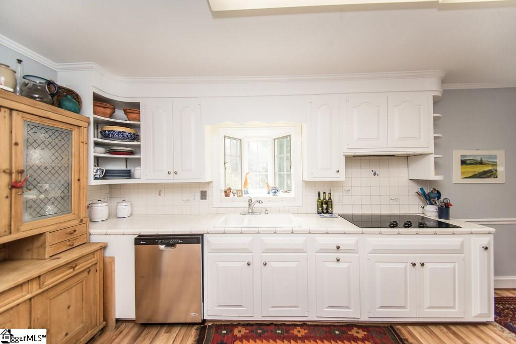 1215 Roe Ford Greenville, SC 29617