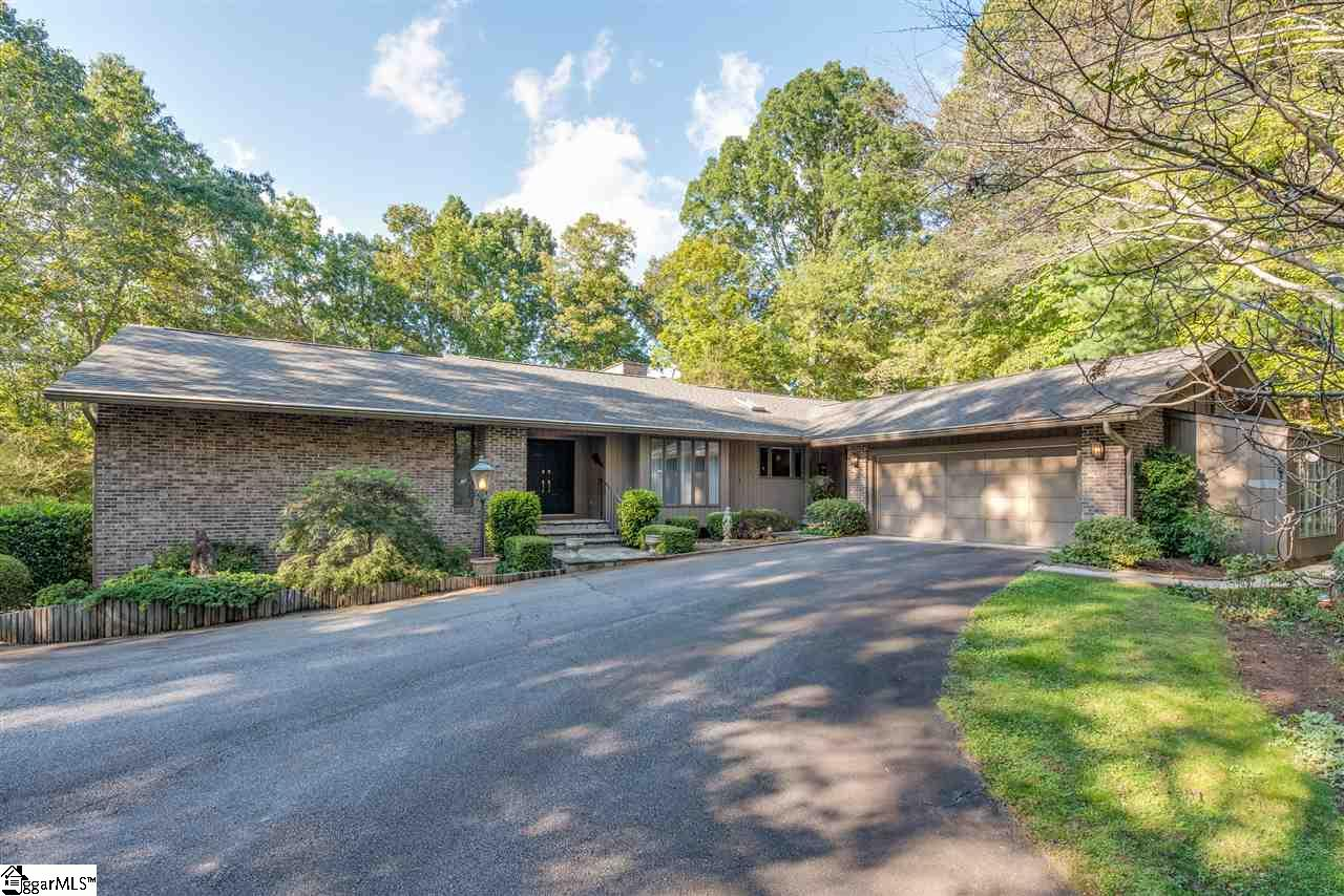 2435 Hunting Country Tryon, NC 28782