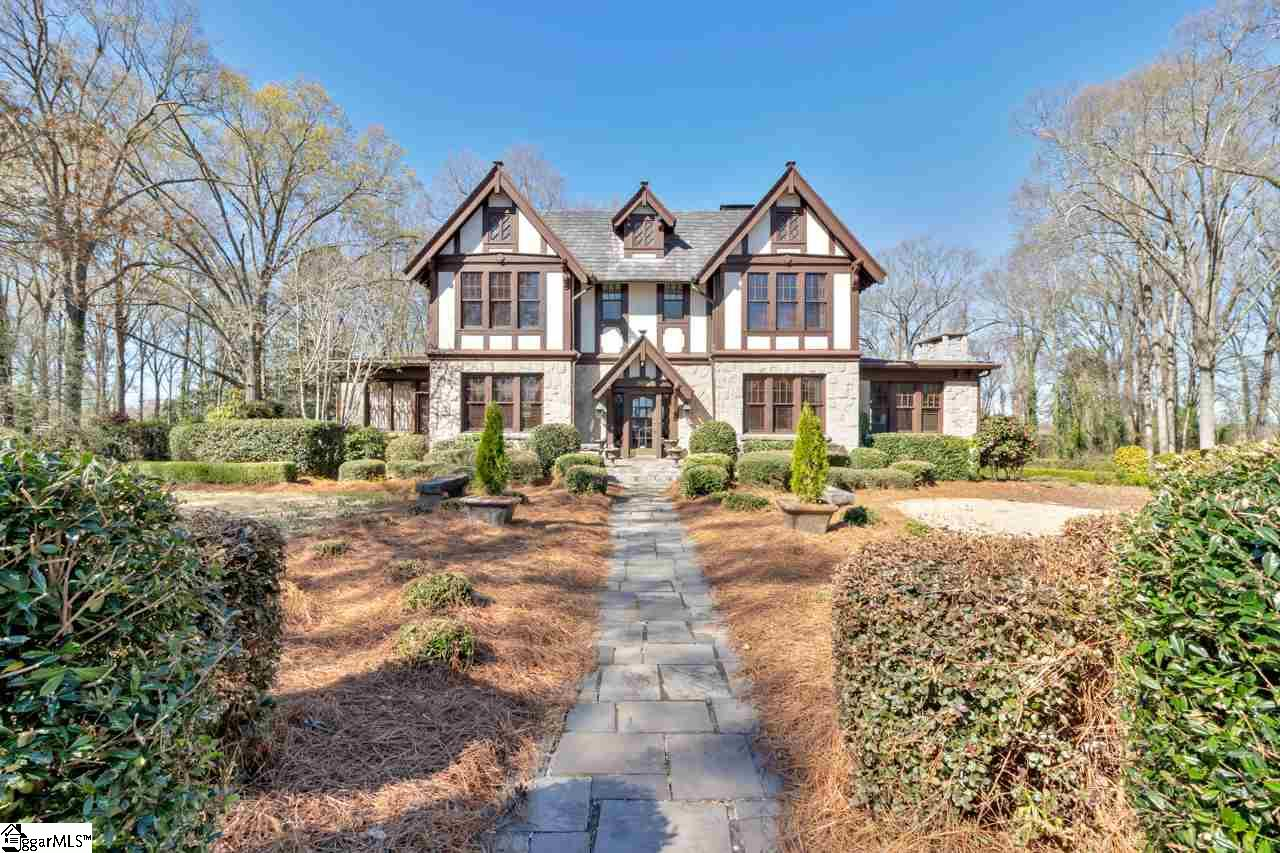 512 W Walnut Clinton, SC 29325