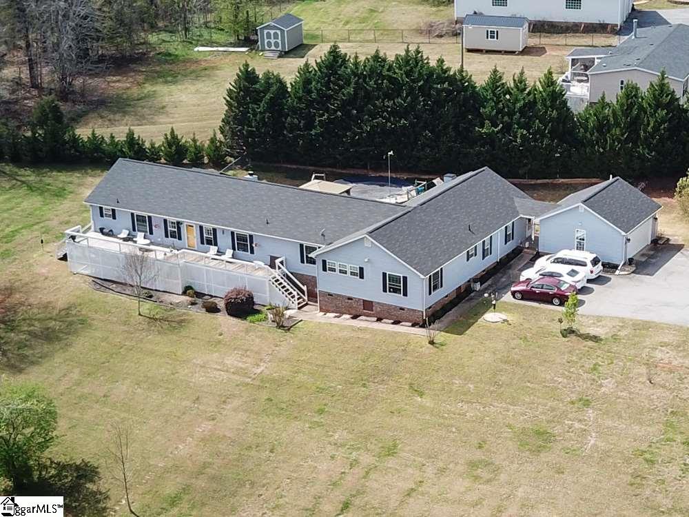 432 West Moore, SC 29369