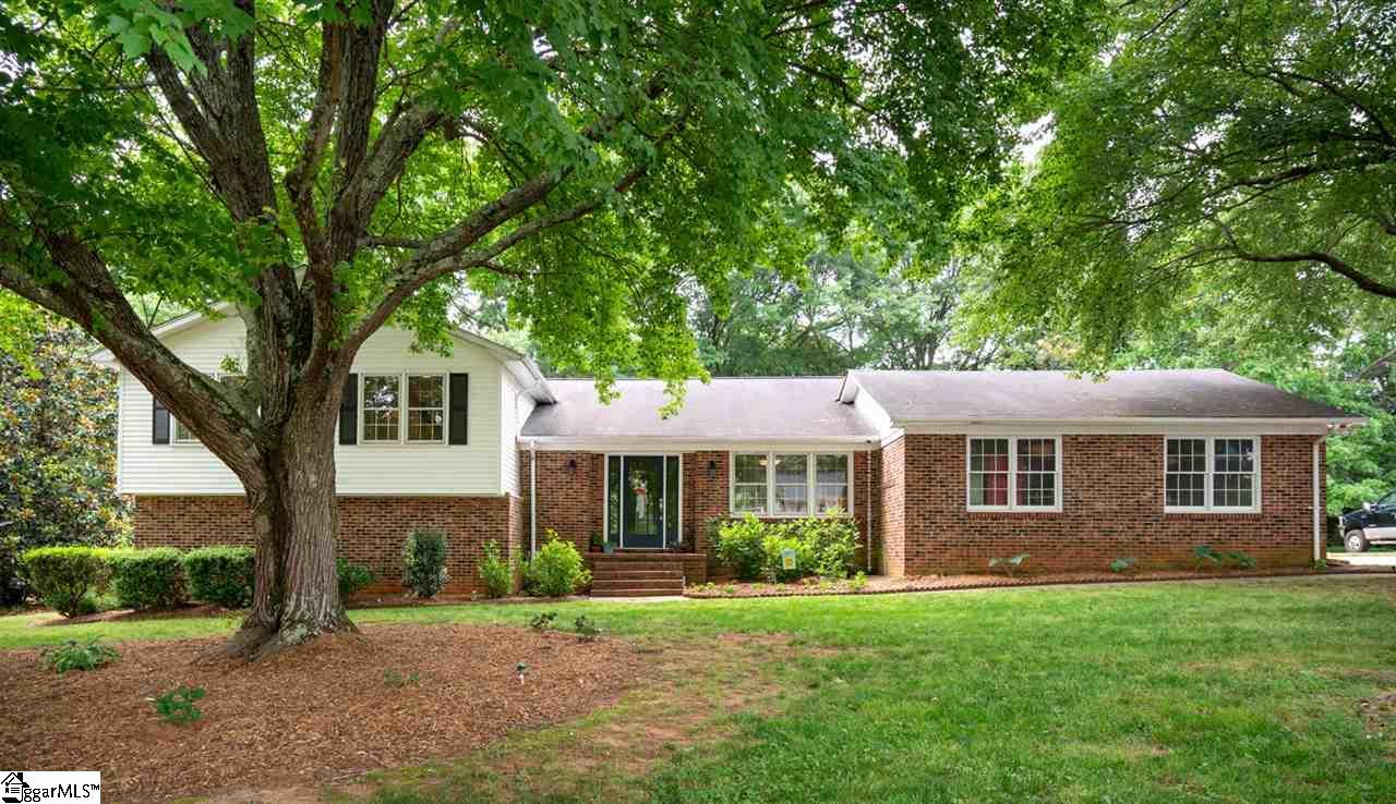 206 Dove Tree Greenville, SC 29615