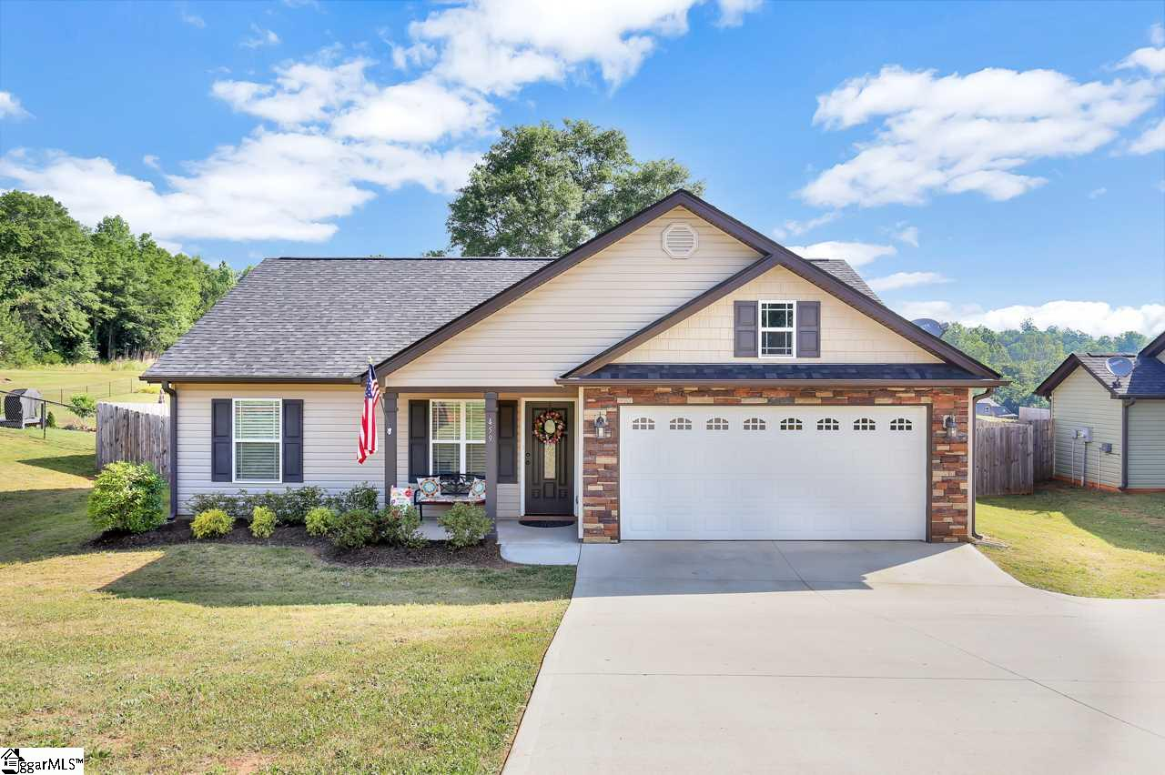 459 Gibbs Wellford, SC 29385