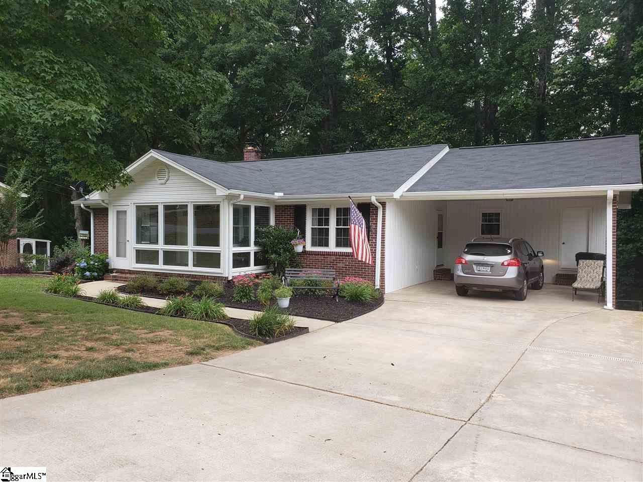 109 Pinewood Greer, SC 29651