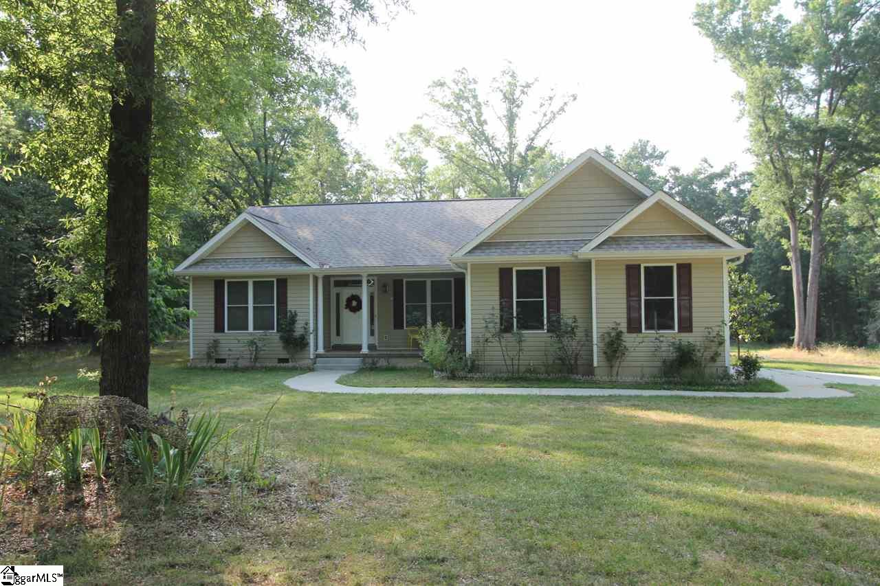 24 Scuffy Due West, SC 29639