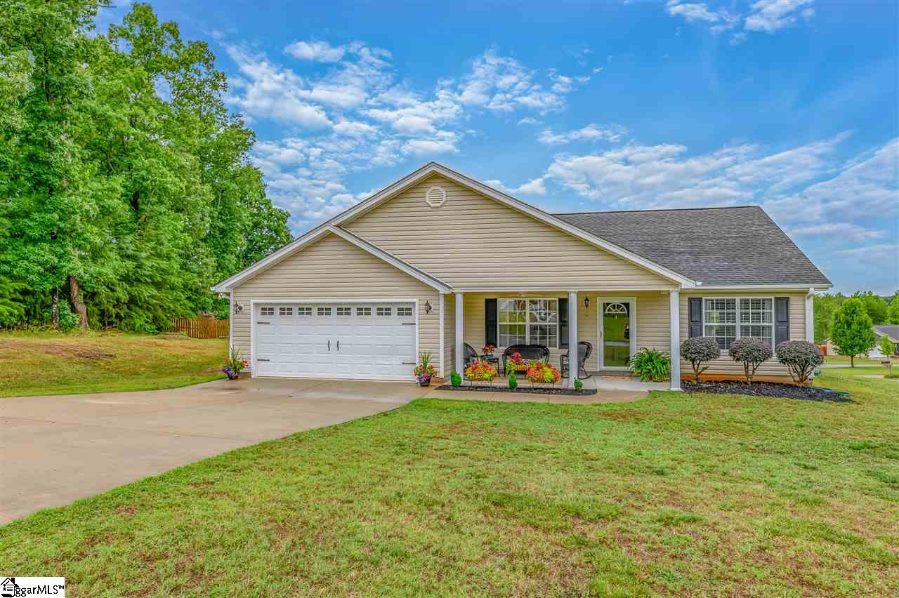 229 Barberry Lane, Greer, South Carolina 29651, 3 Bedrooms Bedrooms, ,2 BathroomsBathrooms,Single Family (Detached),For Sale,Barberry,1394437
