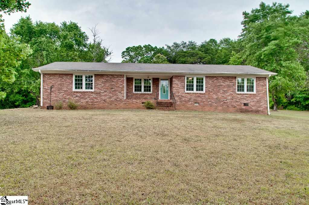 22 Falcon Drive, Taylors, South Carolina 29687, 3 Bedrooms Bedrooms, ,2 BathroomsBathrooms,Single Family (Detached),For Sale,Falcon,1394504