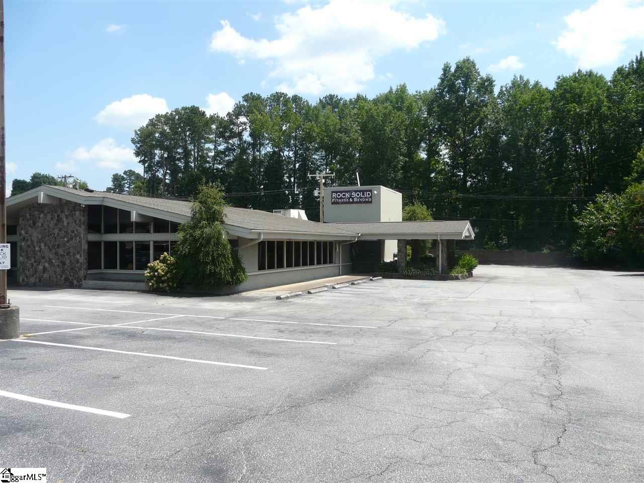 1045 Fernwood Glendale Spartanburg, SC 29307