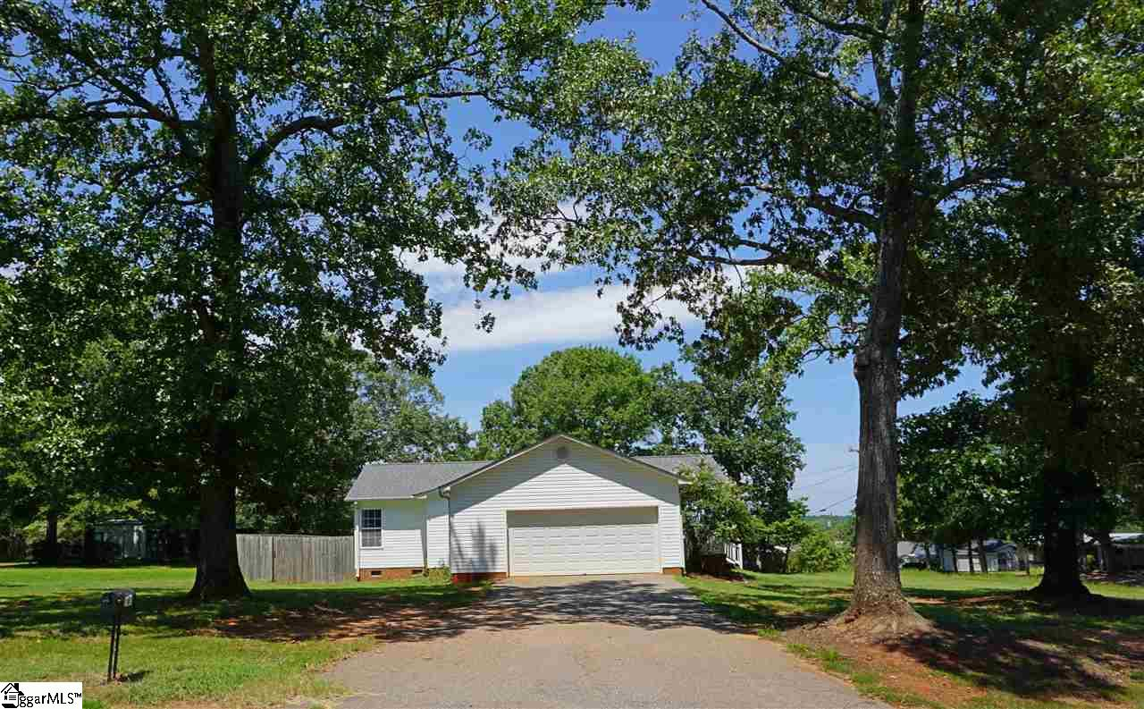 140 Shady Grove Wellford, SC 29385
