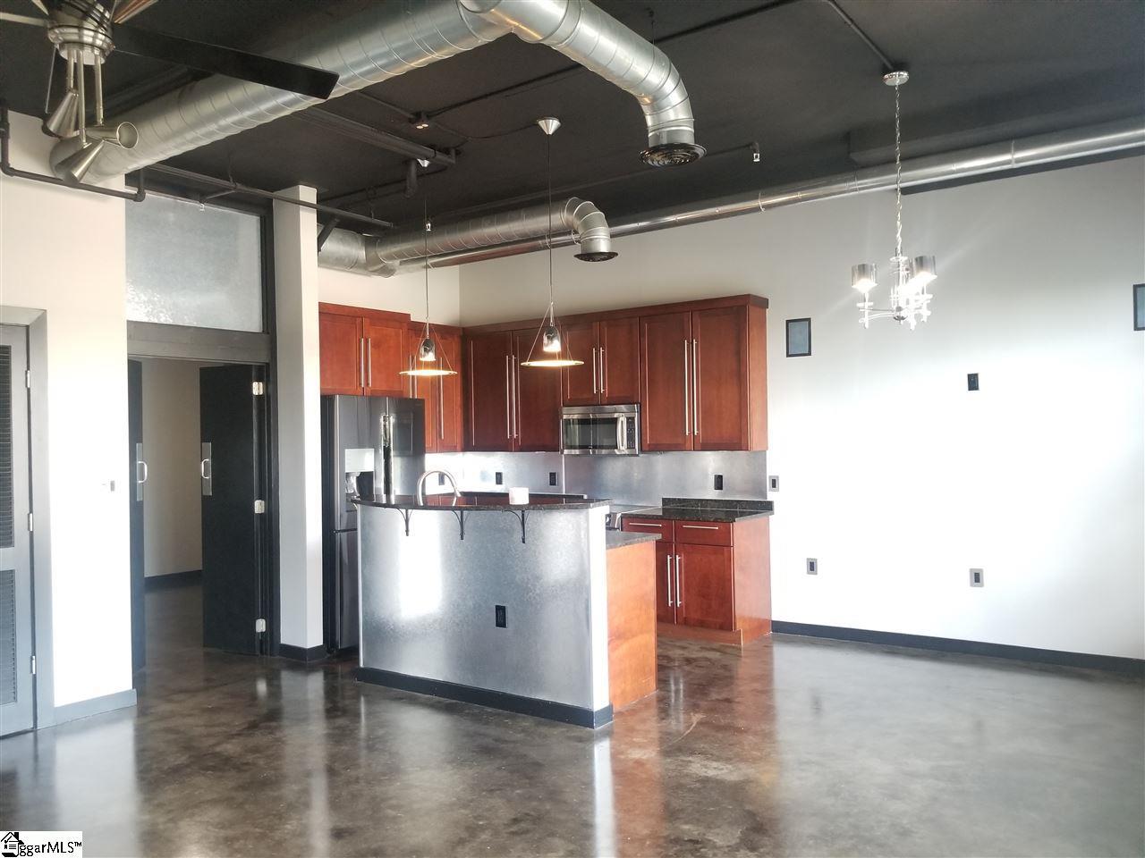 927 S Main Greenville, SC 29601