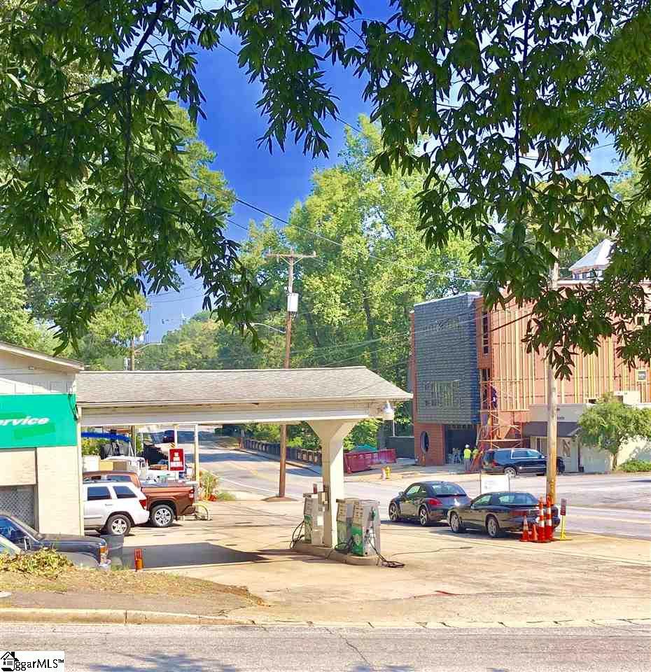 98 Cleveland Greenville, SC 29601