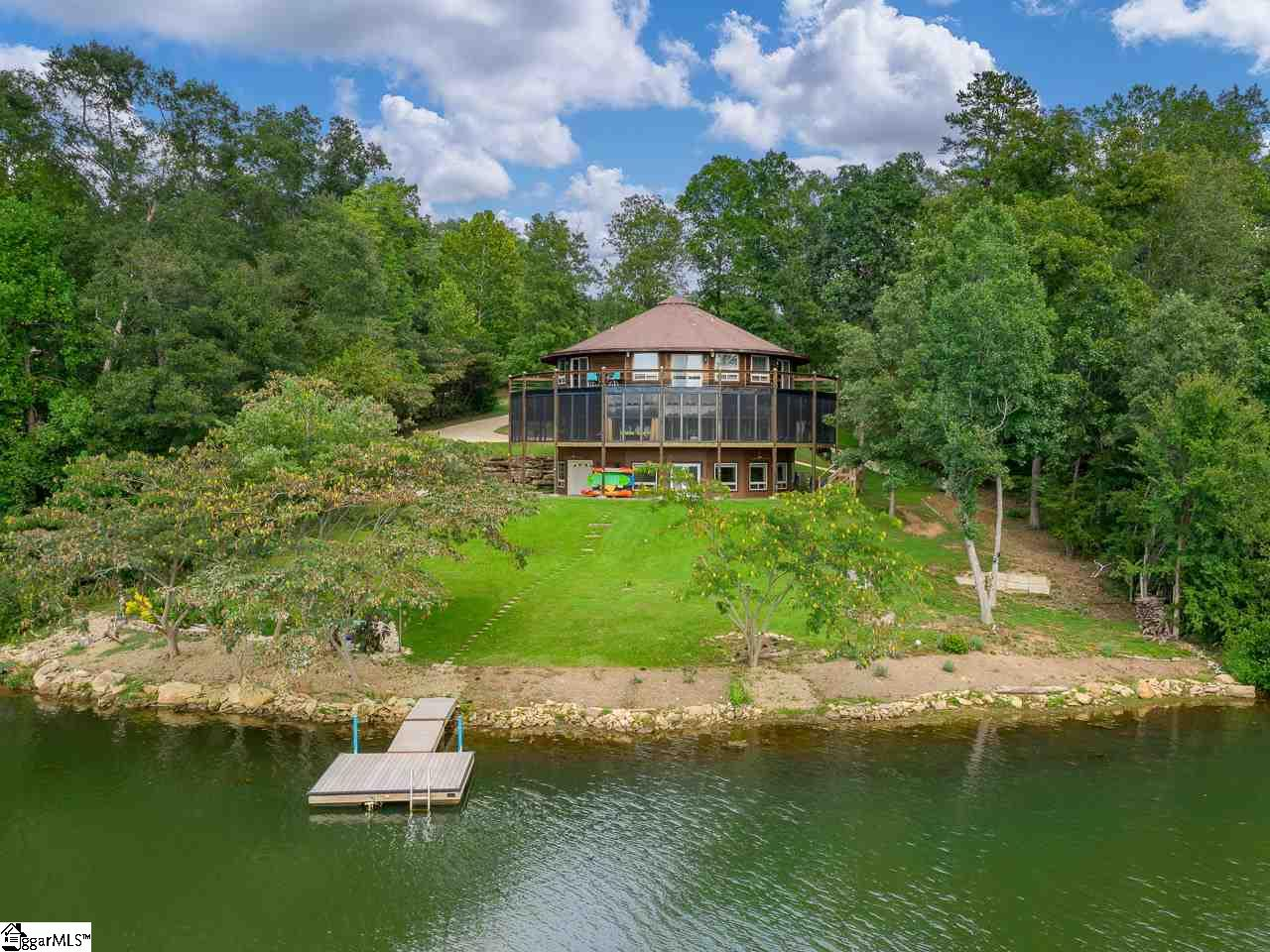 201 Woodlake Spartanburg, SC 29301