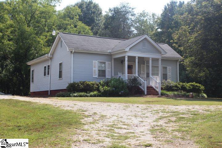305 & 307 Sulphur Springs Greenville, SC 29617