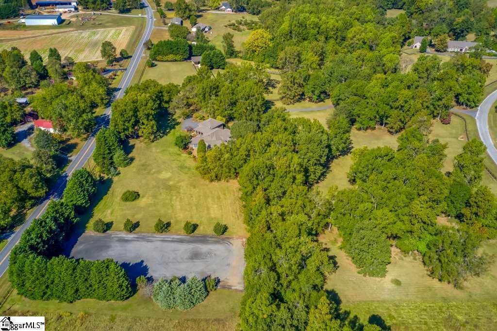 290 Stable Gate Drive Campobello, SC 29322