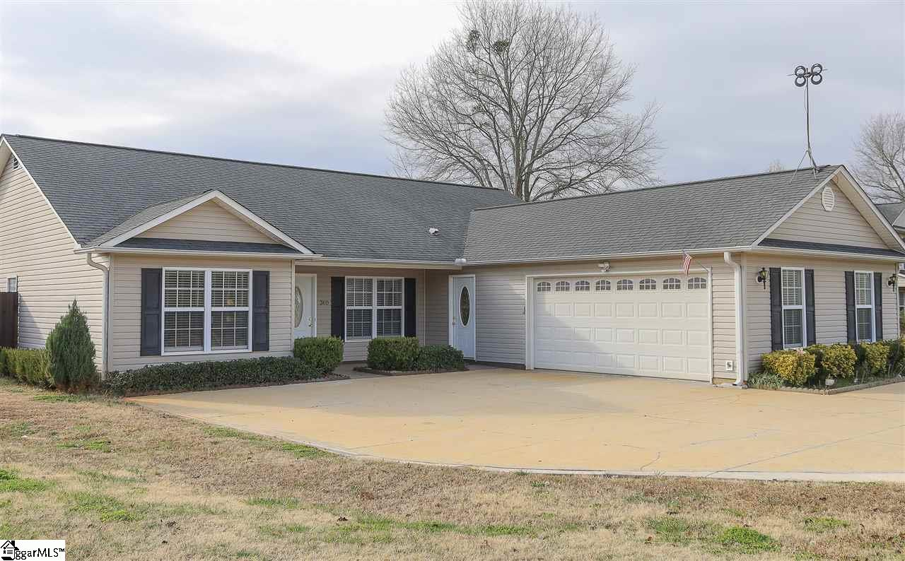360 Gibbs Wellford, SC 29385