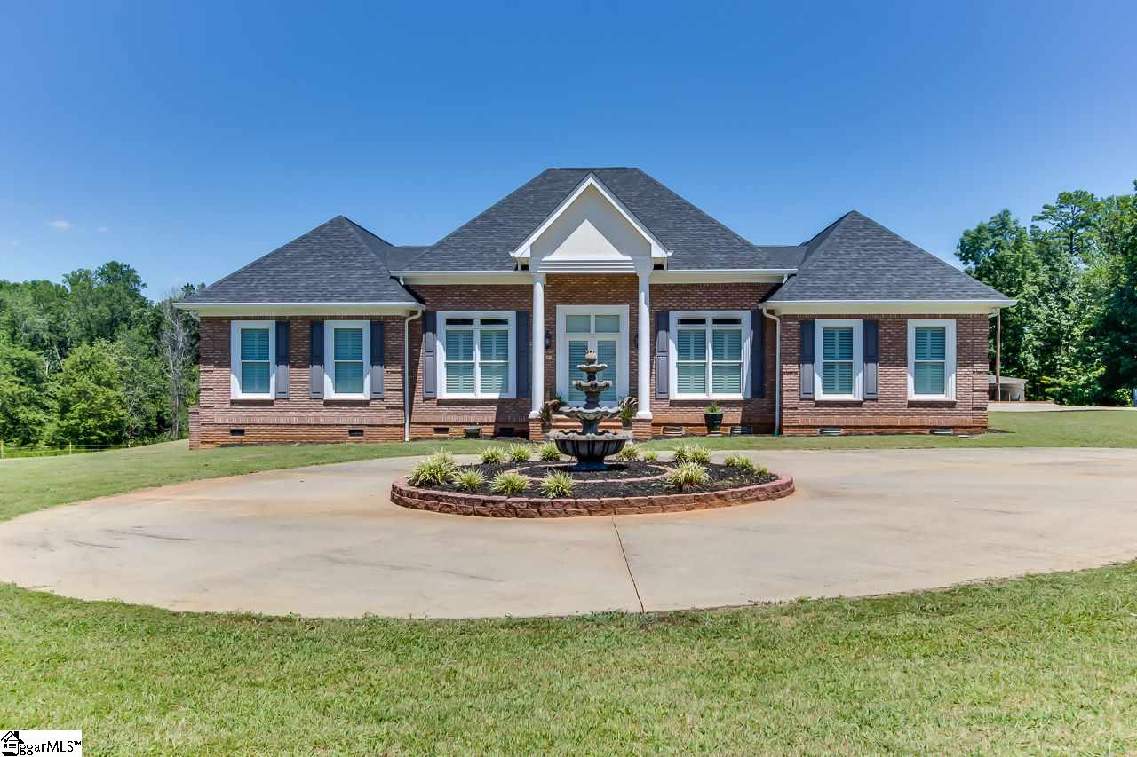 410 Berry Taylors, SC 29687