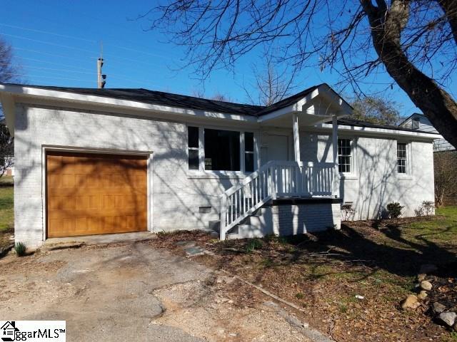 208 Langston Greenville, SC 29617