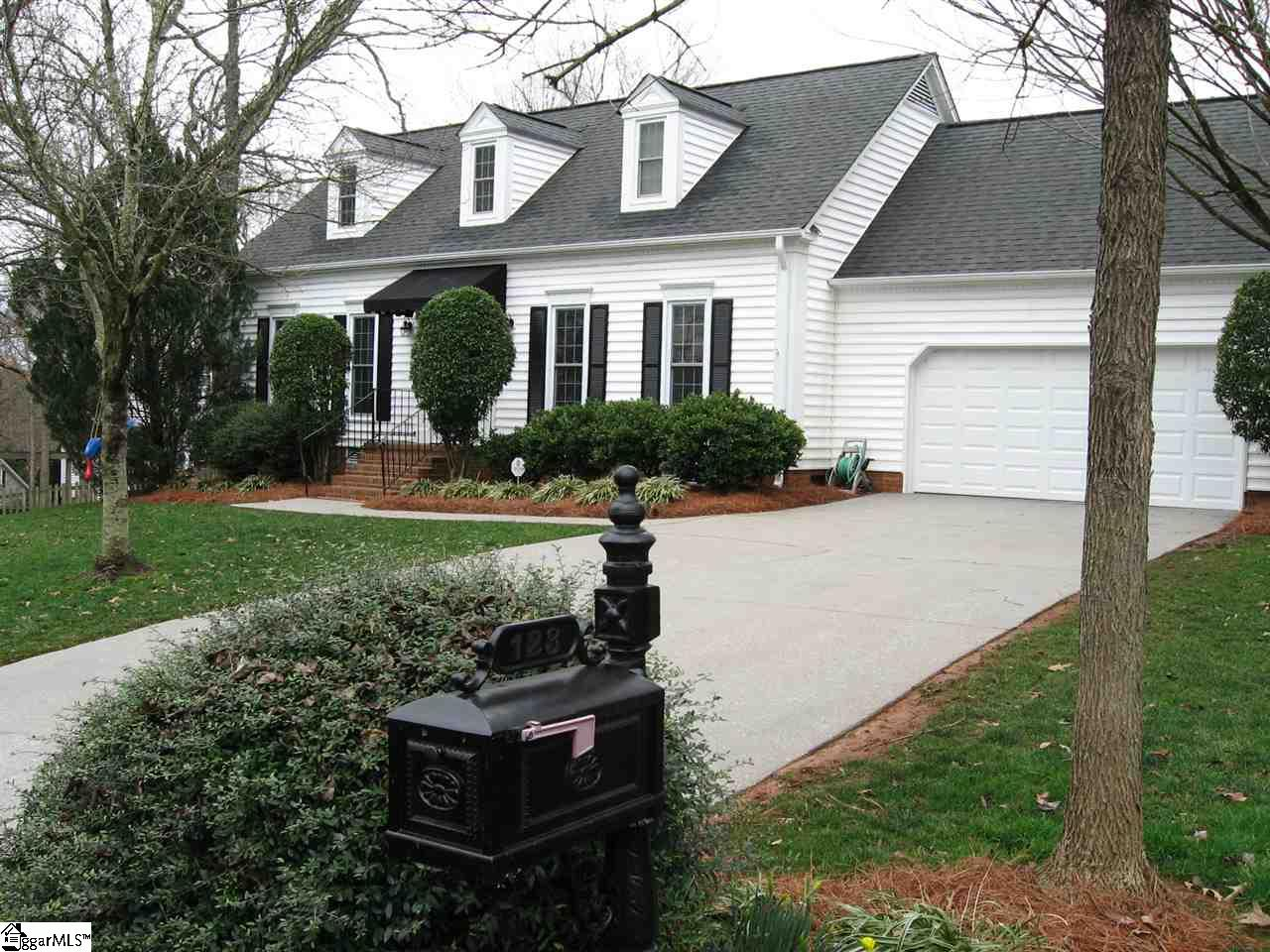 123 Woodway Greer, SC 29651