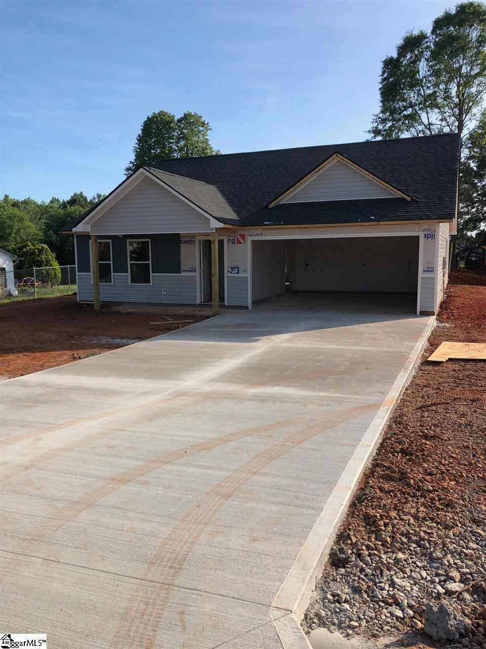 114 Millwood Wellford, SC 29385