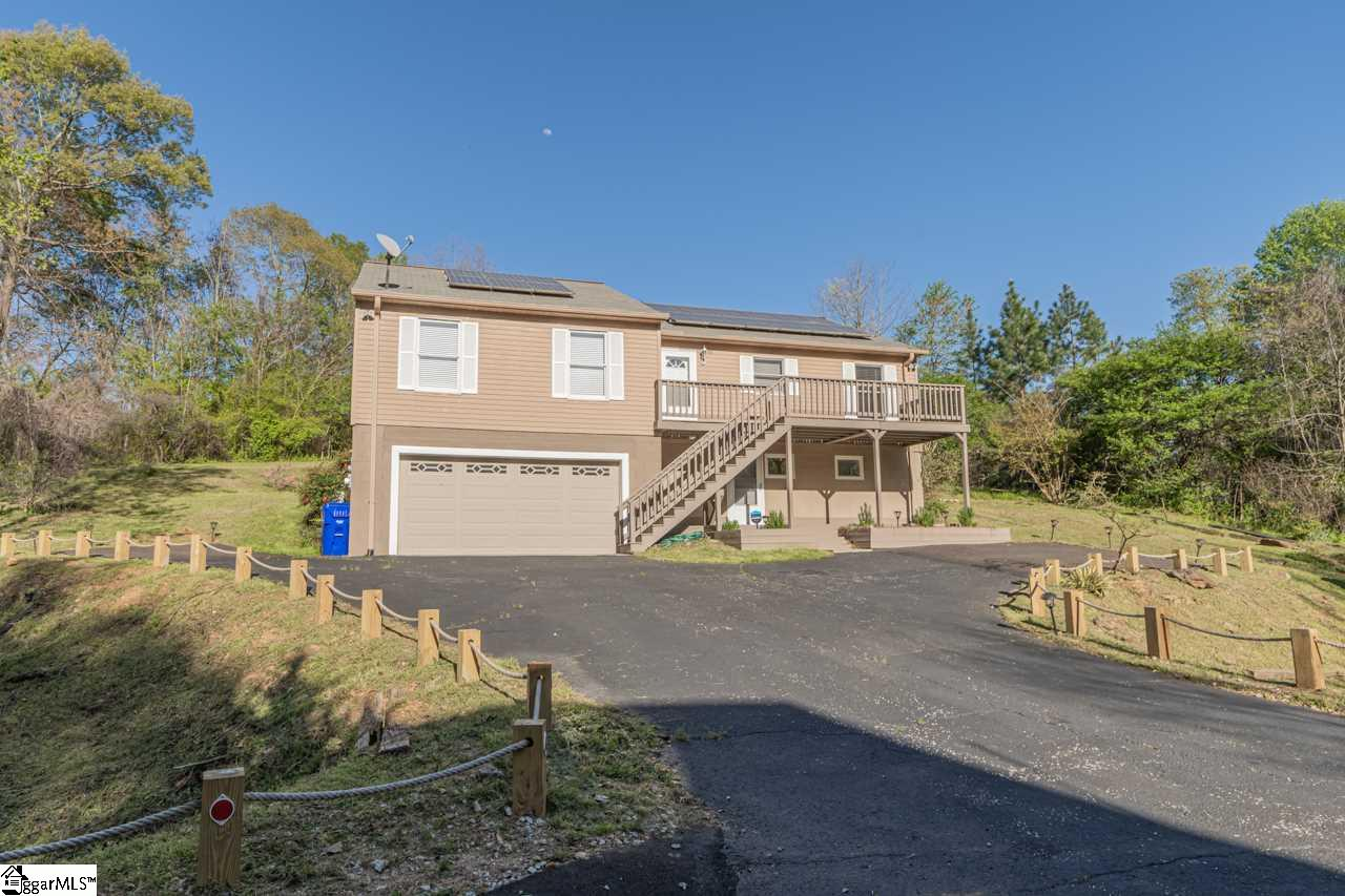 Recently updated 4BR/3BA home on .39 acres walking distance to E North Academy and Greenville Middle