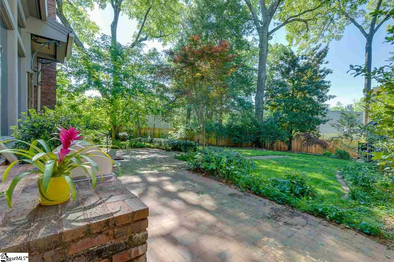 108 Crescent Greenville, SC 29605