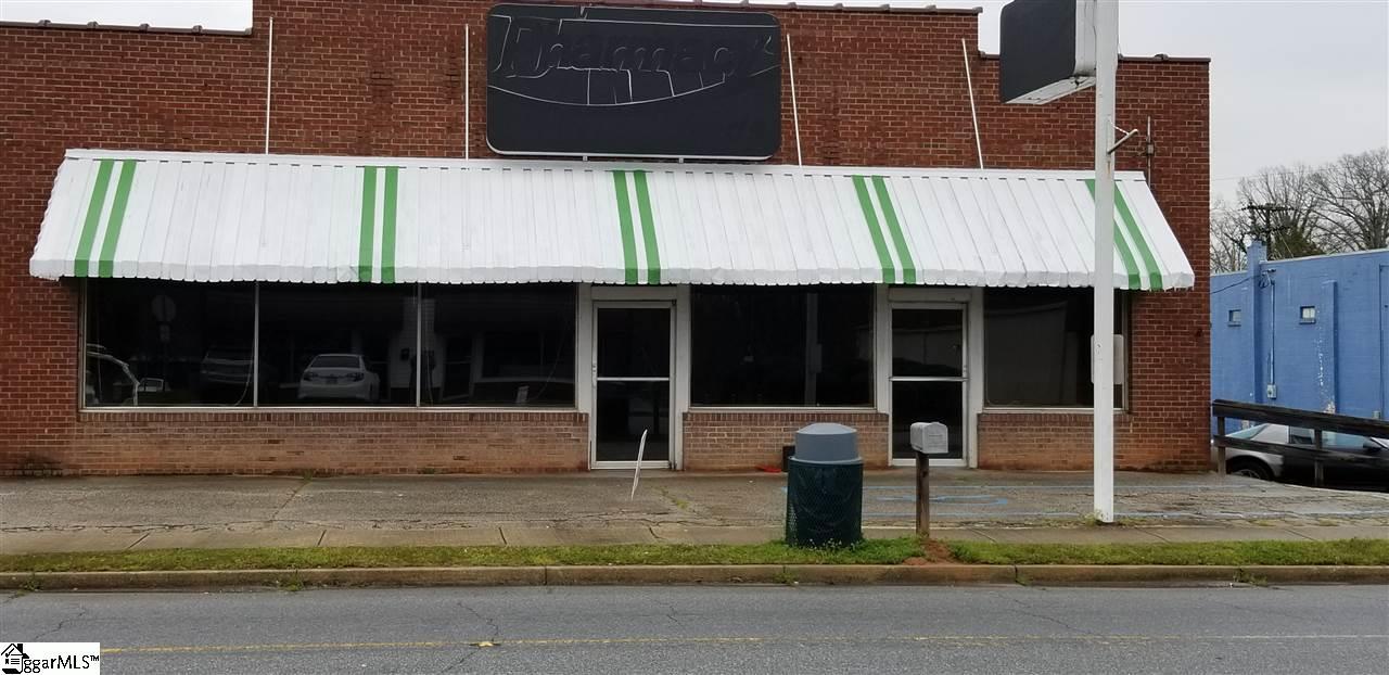 734 N Greenwood Avenue Ware Shoals, SC 29692