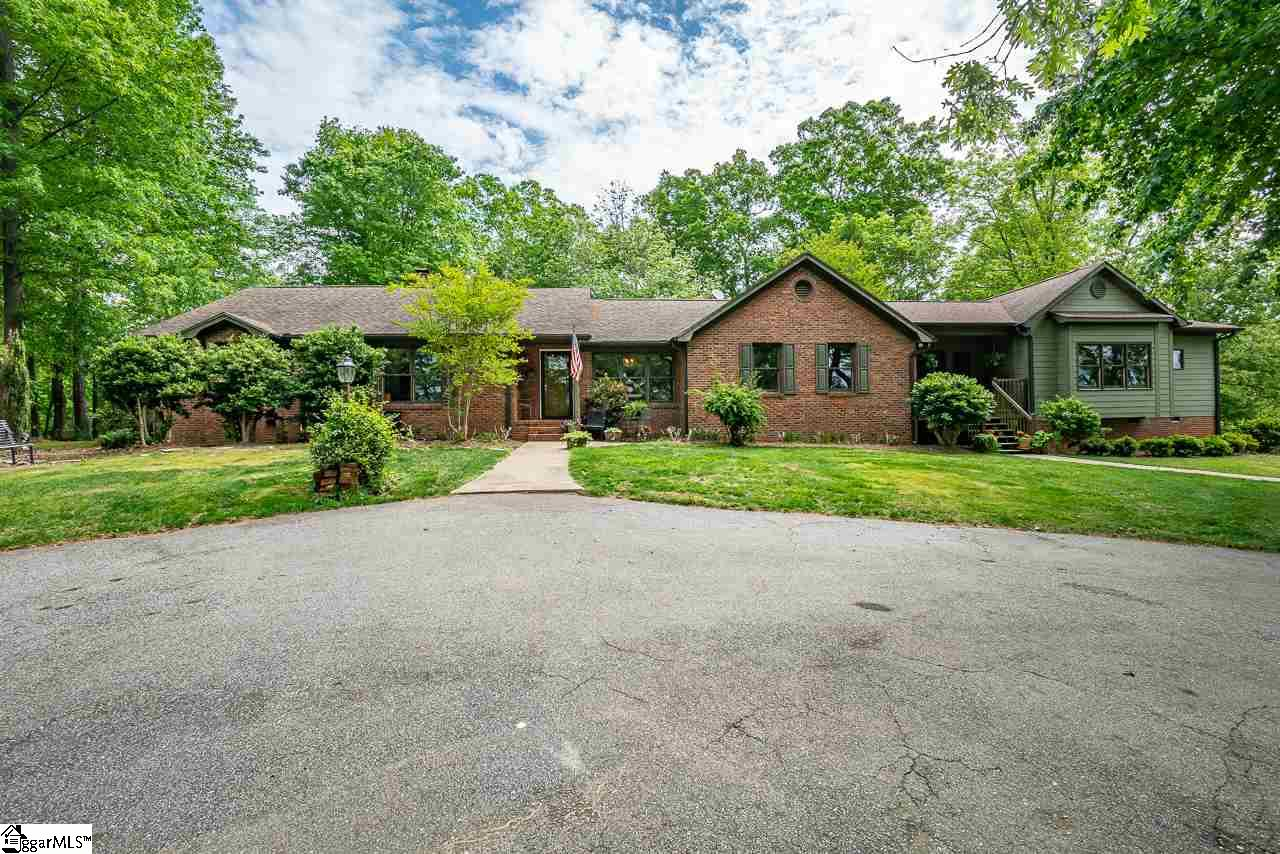 199 Meadow Brook Greenville, SC 29617