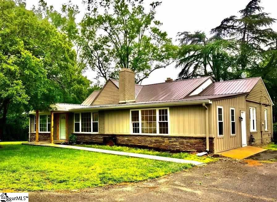 315 Wood Central, SC 29630