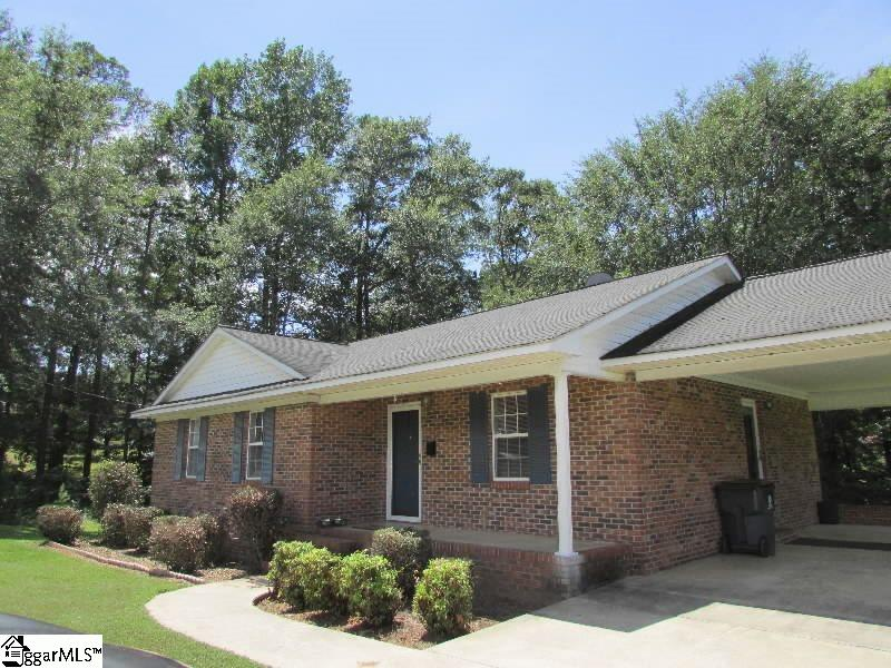 305 Lakeview Laurens, SC 29360