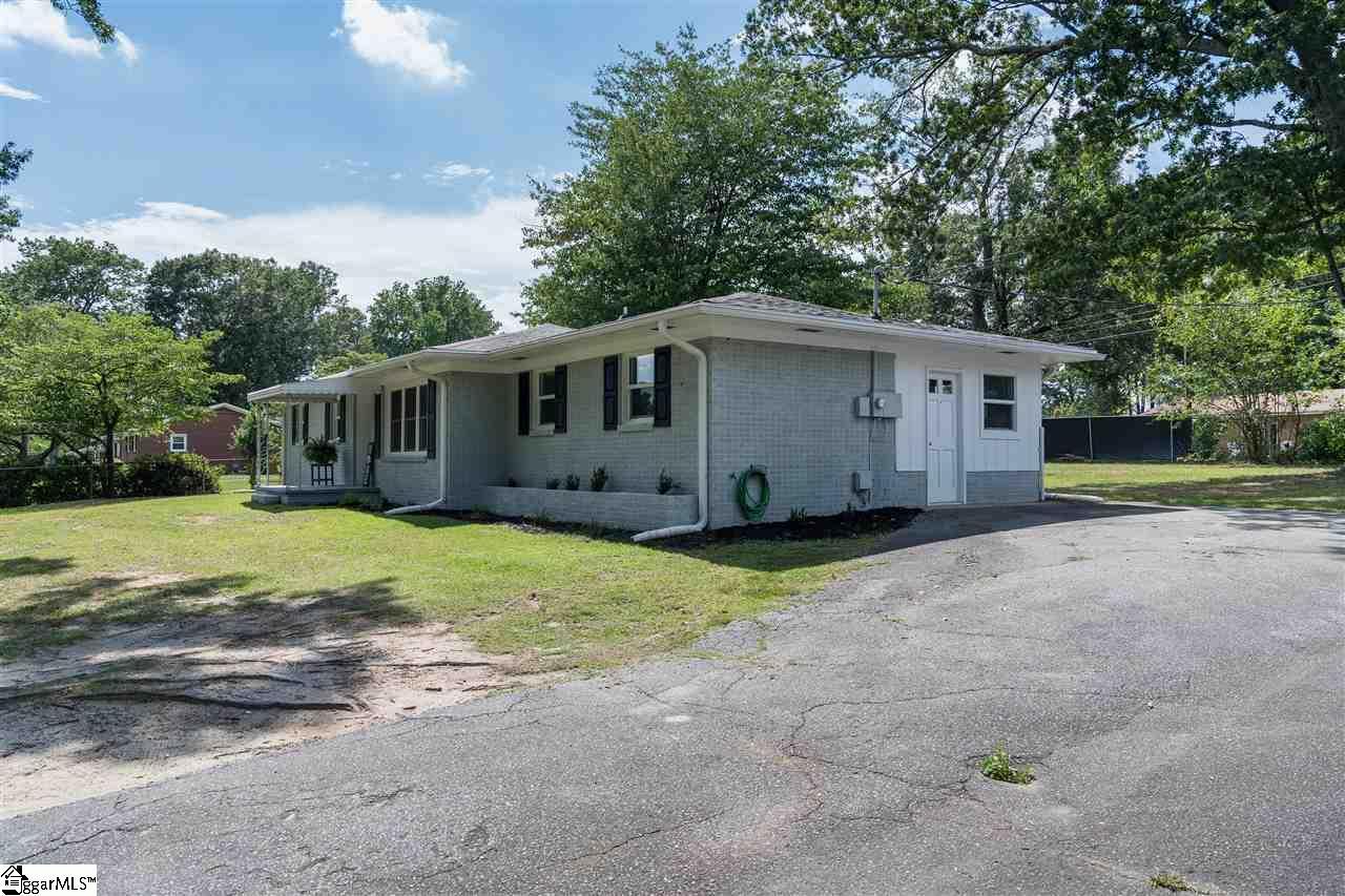 123 Mount Pleasant Spartanburg, SC 29307