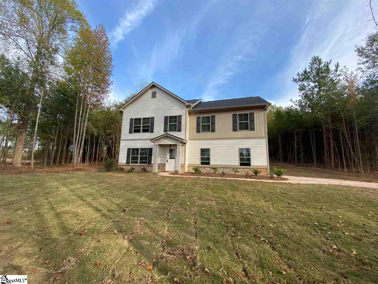 1174 Inman Wellford, SC 29385