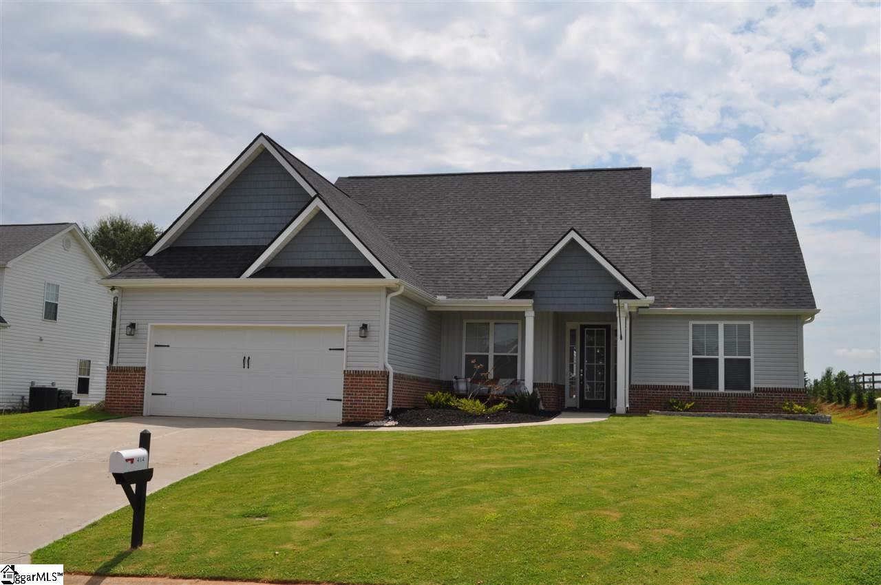 414 Silver Thorne Wellford, SC 29385