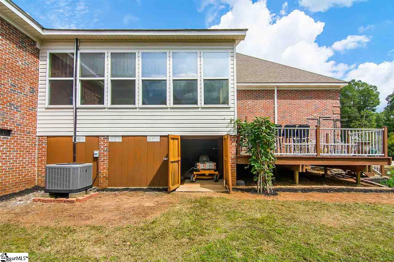 125 Kingswood Simpsonville, SC 29681
